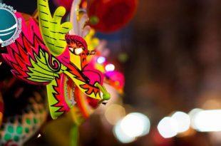 تعطیلات عمومی و رسمی چین ،تقویم چین ،تقویم رسمی چین ،تقویم ملی چین ،تعطیلات رسمی چین ،مهمترین تعطیلات چینی ها ،تعطیلات سال نو چینی ،آغاز سال نو چینی ها ،جشن نیمه پاییز چینی ها ،جشن قایق اژدهای چینی ها ،مهمترین تعطیلات سال نو در چین ،مناسبت های رسمی چین ،مناسبت های چین ،نمایشگاه فناوری اطلاعات و ارتباطات چین ،جشنواره برگهای قرمز تپه های معطر،نمایشگاه گل داوودی ،نمایشگاه گل پکن ،نمایشگاه خودرو پکن ،نمایشگاه بین المللی خودرو در پکن ،هفته مد چین ،جشنواره های فرهنگی ،جشنواره بین المللی هنر ،جشنواره بین المللی موزیک ،جشنواره فرهنگ گردشگری پکن ،جشنواره ی هنر مدرن پکن ،جشنواره های مهم پکن ،رویدادهای فرهنگی ،مناسبت ها و رویدادهای مهم ،جشنواره برف و یخ دره لانگ کینگ ،جشنواره برف و یخ پکن ،جشنواره فیلم پکن ،جشنواره دانشجویی فیلم پکن ،جشنواره بین المللی فیلم پکن ،جشنواره های مهم پکن ،مجسمه های یخی پکن ،مجسمه های یخی چین ،رستوران های ایرانی پکن ،رستوران رامی ،معروفترین رستوران ایرانی پکن ،رستوران های ایرانی چین ،رستوران چینی با غذای ایرانی ،غذای ایرانی در چین ،رستوران های چین ،محبوبترین رستوران ایرانی در پکن ،غذای ایرانی در پکن ،انواع نوشیدنی های چین ،چای چین ،انواع چای چین ،نوشیدنی چینی ،نوشیدنی های چین ،دمنوش های چینی ،دمنوش های وارداتی از چین ،واردات دمنوش از چین ،چای سبز چین ،چای سبز چینی ،گان پادرتی ،جاسمین تی ،قهوه چینی ،خوراک مسلمانان چین ،غذاهای خاص مسلمانان پکن ،لامیان ،چانر ،سوپ نودل ،سوپ نودل با گوشت گاو ،سوان سی ،غذای سنتی چین ،نانگ ،انواع غذاهای خاص مسلمانان چین ،میان وعده های چینی ،پنکیک مرزه ،انواع پنکیک ،انواع پنکیک چینی ،میوه های شکراندود ،خیابان گوجی پکن ،انواع میان وعده ی چینی ،محبوبترین غذاهای چین ،قابلمه داغ ،رستوران مسلمانان پکن ،فولینگ جیایینگ ،اردک کبابی پکن ،غذای ملی مردم چین،غذاهای ملی چین ،طرز تهیه اردک کبابی ،نودل ژاجیانگ ،غذاهای معروف چینی ،خوراک مخصوص پکن ،خوراک مردم چین ،معروفترین غذاهای چینی ،خوراک مردم چین، غذاها و نوشیدنیهای چینی ،چای چینی ،خوراک سلطنتی چین ،روش پخت غذا در چین ،دسرهای معمول در چین ،انواع غذاهای چینی ،شیوه آشپزی کردن مردم چین ،رشته چینی ،نودلز چینی ،نحوه پخت غذاهای چینی ،وعده های غذایی چینی ها ،غذاهای چینی ،انواع سوپ چینی ،میان و