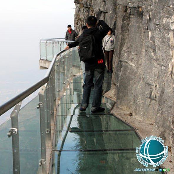 کوهستان تیانمن چین ،راه پله ای به سمت دروازه بهشت ،کوهستان تیانمن ،تله کابین کوهستان تیانمن ،طولانی ترین مسیر تله کابین دنیا ،تله کابین روباز کوه تیانمن ،مناطق دیدنی چین ،جاذبه های گردشگری چین ،آشنایی با طبیعت چین ،سفر به چین ،زیباترین مناطق چین ،دیدنی های چین ،