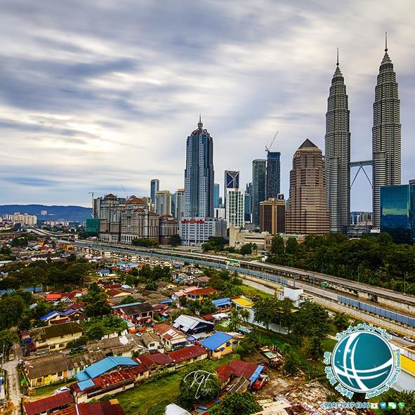خدمات شهری کوالالامپور برای مسافران و توریست ها ، سطح بهداشت در کوالالامپور ، گرمازدگی در کوالالامپور ، نکات بهداشتی در هنگام سفر به کوالالامپور، سیم کارت های مالایی ، تعرفه هزینه مکالمه در کوالالامپور ، تردد در کوالالامپور , قوانین مالزی , نکات لازم برای اقامت در کوالالامپور ، پوشش در کوالالامپور، وضعیت پوشش در کوالالامپور، پوشش مردم کوالالامپور، خوراک مردم کوالالامپور، جرم و جنایت مردم کوالالامپور، تغذیه مردم کوالالامپور، قوانین شهروندی در کوالالامپور، اقامت در کوالالامپور ، نکات ایمنی برای اقامت در کوالالامپور ، هتل هیلتون، لی مریدین، تردرز هتل، شانگریلا، جی وی ماریثوت ، هتل های معروف کوالالامپور، اقامت در هتل های کوالالامپور ، شرایط اقامت در هتل های کوالالامپور، هتل های پنج ستاره کوالالامپور ،غارهای چین سو کوالالامپور ، مجموعه معبد غارهای چین سو کوالالامپور ، معبد چین سو ، آشنایی با معابد کوالالامپور ، غار چبن سو کوالالامپور ، پارک تفریحی گنتینگ هایلندز کوالالامپور ، خانه برفی کوالالامپور، کوههای الوکالی، مجموعه تفریحی گنتینگ هایلندز ، غارهای باتو ، غار معبد کوالالامپور، غار معبد بزرگترین غار باتو ، مجموعه غارهای باتو، مراسم تایپوسام کوالالامپور، موزه غار باتو ، بازدید از غار باتو، جاذبه های توریستی کوالالامپور، پارک سان وی لاگون کوالالامپور , پارک های آبی کوالالامپور ، سان وی لاگون ، پارک های آبی کوالالامپور , دنیای آبی آفاموسی و تامبون، دنیای آفاموسی، بزرگترین پارکهای آبی مالزی، دنیای گمشده تامبون ،دره ببرهای کوالالامپور ، جذابیت های پارک کوالالامپور، چشمه های آب گرم تامبون ، جاذبه های دیدنی کوالالامپور , سرزمین عجایب ماینز و پارک تمپلر، پارک جنگلی تمپلر کوالالامپور ، جاذبه های کوالالامپور، سرزمین عجایب ماینز، جاذبه های پارک ماینز، پارک ماینز ، مکان های دیدنی ماینز ، مکان های توریستی کوالالامپور , آکواریوم و باغ وحش ملی مالزی،آکواریوم کوالالامپور ، مرکز تحقیقات جانورشناسی کوالالامپور ، باغ وحش ملی مالزی،پارک و شهربازی های کوالالامپور , پارک خرگوش ها ، پارک خرگوش های کوالالامپور، تپه های برجایا، بوکیت تینگ ، باغ گیاه شناسی کوالالامپور، شهربازی کاسموس کوالالامپور، بزرگترین شهربازی سرپوشیده مالزی، شهربازی های کوالالامپور، پارک های کوالالامپور , باغ گل ختمی و پارک