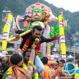 جشنواره تای پوسام کوالالامپور ، تای پوسام مراسمی مذهبی هندویی ، سال نو چینی ، آداب و رسوم سال نو در کوالالامپور ، برگزاری جشن سال نو چینی در کوالالامپور،سال نو در کوالالامپور ، جشن سال نو در کوالالامپور ، جشن سال نو چینی در کوالالامپور ، نمادهای سال نو در کوالالامپور ، رسومات سال نو در کوالالامپور ، آداب برگزاری جشن تای پوسام ، جشن سال نو چینی در مالزی، جشن سال نو در مالزی، مناسبت ها و رویدادهای کوالالامپور ، جشنواره های کوالالامپور ، روز قلمرو فدرال کوالالامپور ، نواحی فدرال مالزی، جشن روز قلمرو فدرال کوالالامپور ، لِ توردی لانگ کاوی، مسابقات دوچرخه سواری کوالالامپور، رستوران های ایرانی کولالامپور ، غذاهای معروف ایرانی ، معروف ترین رستوران های ایرانی کوالالامپور ، معروف ترین غذاهای ایرانی کوالالامپور، غذاهای ایرانی در کوالالامپور، میوه های گرمسیری مالزی ، تنوع بالای میوه در کوالالامپور ،میوه های گرمسیری مالزی ،میوه های مالزی، میوه های گرمسیری مخصوص مالزی، شاه میوه های مالزی، دوریان شاه میوه ی مالزی، رامبوتان، منگوستین ، منگوستین ملکه میوه های مالزی، مانگو یا انبه ، تنوع انبه در مالزی، لانکان ، دراگون فروت ، استار فروت ، خوشمزه ترین میوه های مالزی، شیرینی و دسرهای کوالالامپور , آشنایی با انواع کویح ، شیرینی و کیک های کوالالامپور, شیرینی جات مخصوص کوالالامپور ، کویح شیرینی مخصوص کوالالامپور، اوند اوند شیرینی مخصوص کوالالامپور، کویح تالام نوعی دسر مالایی، دسرهای مخصوص کوالالامپور، غذاهای محلی کوالالامپور , غذاهای گوشتی معروف در مالزی ، غذاهای معروف گوشتی کوالالامپور، معروفترین غذاهای کوالالامپور، غذاهای گیاهی کوالالامپور ، غذاهای دریایی معروف در مالزی، معروف ترین غذاهای دریایی کوالالامپور، انواع خوراک مرغ و ماهی معروف در مالزی، خوراک مردم مالزی , معروف ترین غذاهای کوالالامپور، تنوع غذایی در مالزی، غذاهای حلال محلی در مالزی، غذاهای حلال مالایی، سوشی های مالایی، غذاهای دریایی مالزی، رستوران های مالزی، رستوران های کوالالامپور، مهمترین غذاهای پلویی مالزی , ناسی لماک غذای ملی مالزی ،خوراک مردم مالزی ، غذای اصلی مردم مالزی، ناسی توماتو، ناسی گورنگ ، ناسی کندر، ناسی دگنگ، ناسی لماک، غذای ملی مالزی، ناسی لماک غذای ملی مالزی ، وضعیت تغذیه در کوالالامپور ، آداب و رسوم پخت و پز 